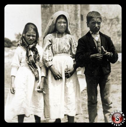 Fotografia dei tre testimoni scattata dall'Ingegnere Mario Godinho, presumibilmente nel Luglio del 1917.