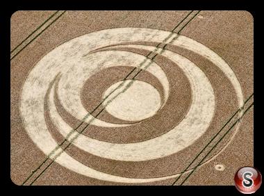 Crop circles - Barbury Castle 2 Nr Wroughton Wiltshire 2011