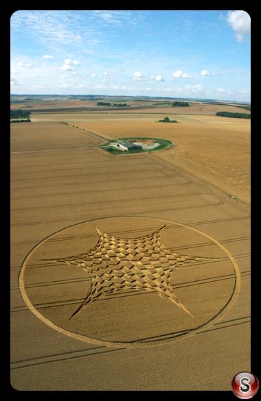 Crop circles - Blowingstone Hill (nr Kingston Lisle) Oxon 2006