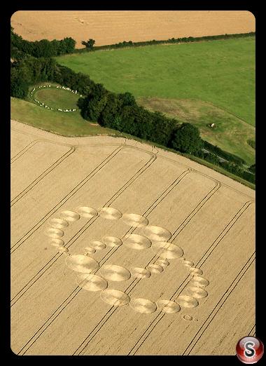 Crop circles - Rollright Stones Oxfordshire 2009