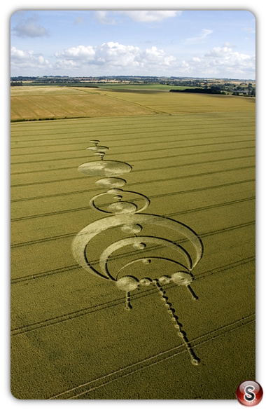 Crop circles - Windmill Hill, Avebury, Wiltshire 2004