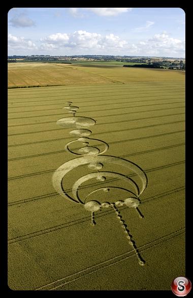 Crop circles - Windmill Hill Avebury Wiltshire 2004