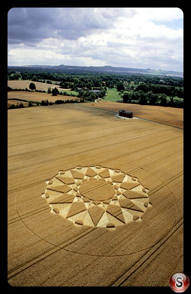 Crop circles - Huish, Wiltshire 20 July 2003