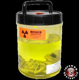 Alieno in liquido giallo