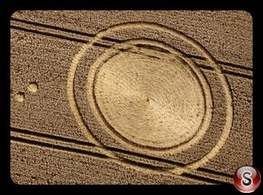 Crop circles - Cheesefoot Head Hampshire UK 2012
