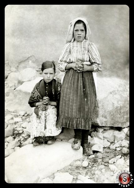 I due testimoni a Reixida ( Cortes ), a metà Settembre del 1917.   Jacinta e Lúcia