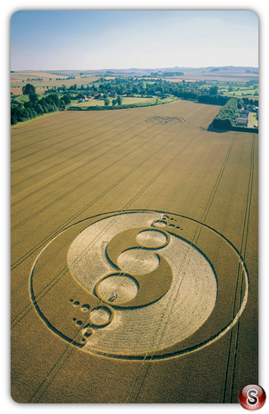 Crop circles - Avebury Henge Wiltshire 2002