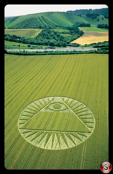 Crop circles - Highclere Hampshire 2002