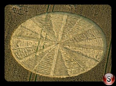 Crop circles - Bishops Cannings Wiltshire UK 2012
