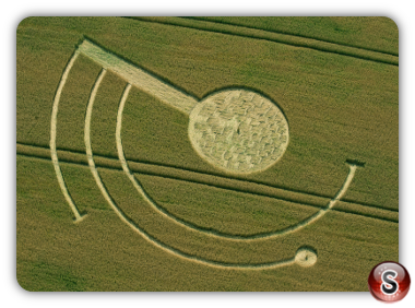 Crop circles welsh way nr barnsley Gloucestershire UK 2014