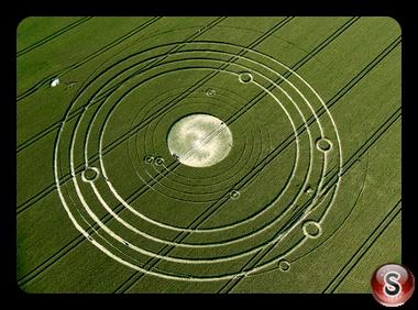 Crop circles - Avebury Manor Wiltshire 2008