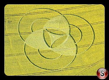 Crop circles - Hannington, nr Cricklade - Wiltshire 2011
