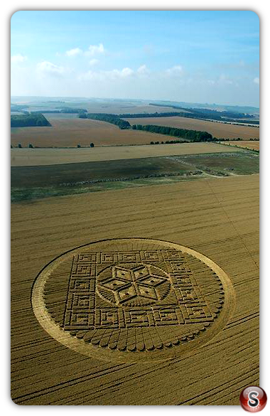 Crop circles - Woolstone Hill, Oxforshire 2005