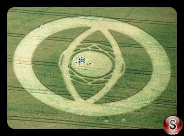 Crop circles - East Field, Alton Barnes Wiltshire 1994