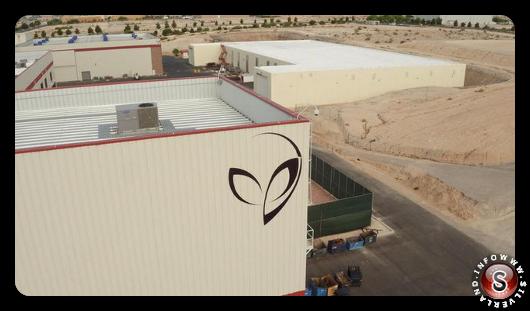 Foto del logo presente sulla facciata della Bigelow Aerospace