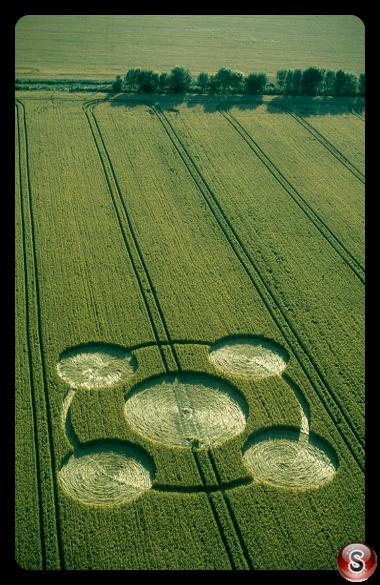 Crop circles - Etchilhampton Wiltshire 2002