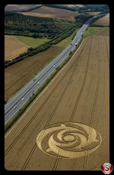 Crop circles - Beacon Hill Newbury Berkshire 2004