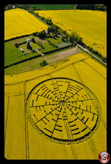Crop circles - Wilton Windmill 2010