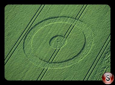 Crop circles - Chiseldon Wiltshire 1998
