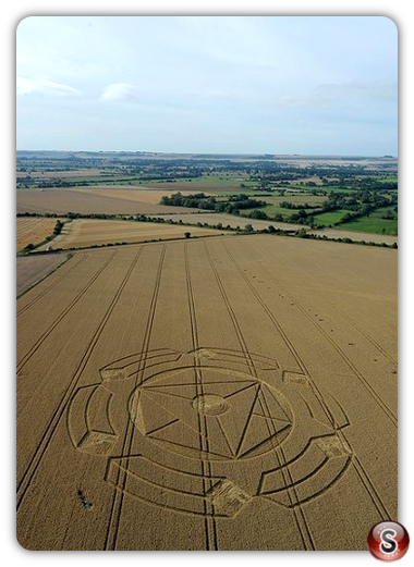 Crop circles - Horton nerar  devizesWiltshire 2010