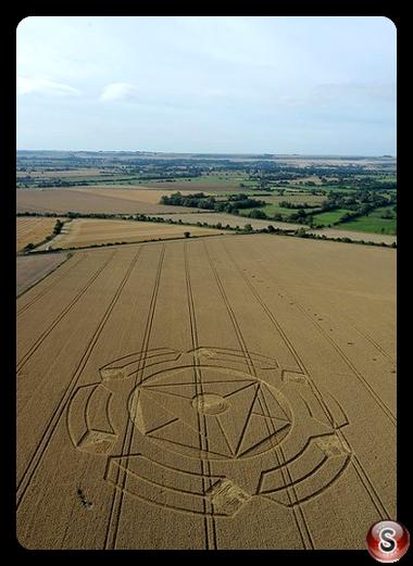 Crop circles - Horton nerar  devizes Wiltshire 2010