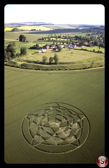 Crop circles - Avebury Wiltshire 2002