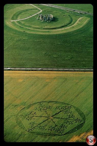 Crop circles - Stonehenge 1997