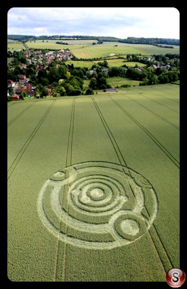 Crop circles - Cow Drove Hill nr Kings Somborne Hampshire 2011