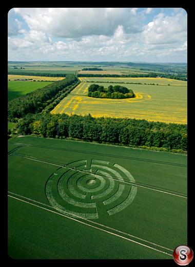 Crop circles - Waylands Smithy Oxfordshire 2009