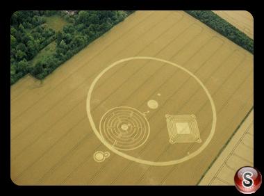 Crop circles - Great Shelford Cambridgeshire 2001