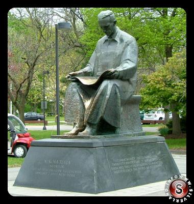 Statua di Nikola Tesla al Niagara Falls State Park