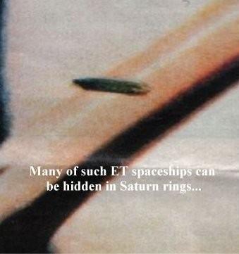 Ufo su Saturno