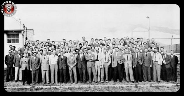 Fotografia ritraente gli scienziati partecipanti al progetto - Marzo 1946