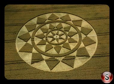 Crop circles - Etchilhampton, Wiltshire 2004