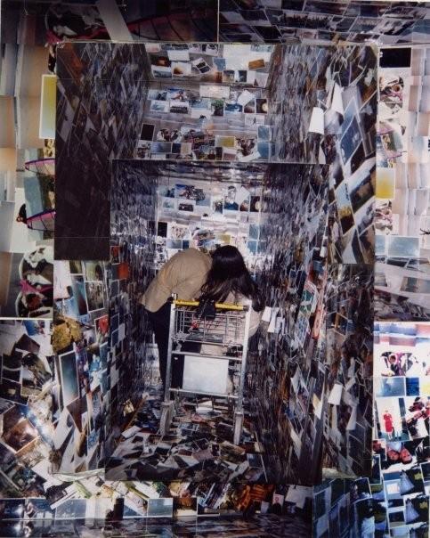 """""""L'ascenceur social"""" collage de photographie du sol au plafond dans un ascenceur 1998"""