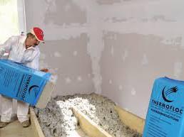 Aislamientos de suelos con celulosa.