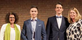 Preisträger des SEB-Preises bei der Abiturfeier 2019: Thibault Schares & Matthias Steilen (Foto: Björn Alt)