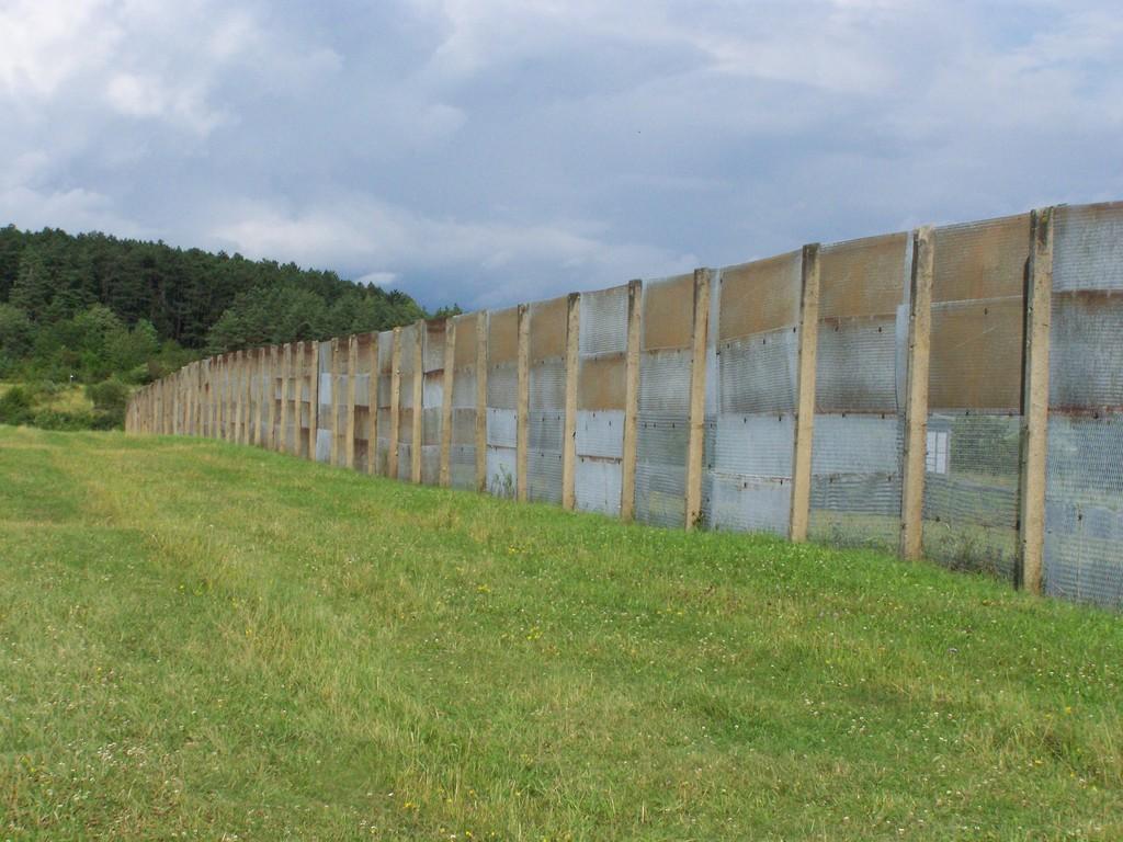 so zog sich der Zaun