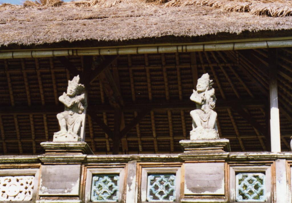 kleine Tempelfiguren