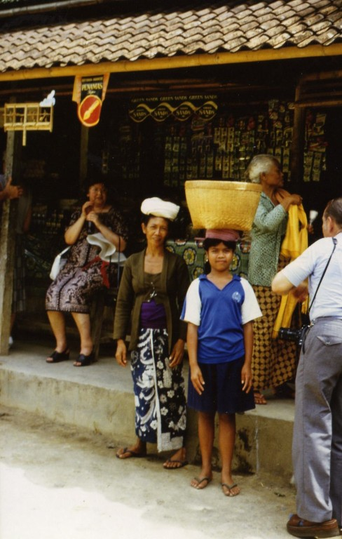 Pilger auf dem Weg zum Tempel
