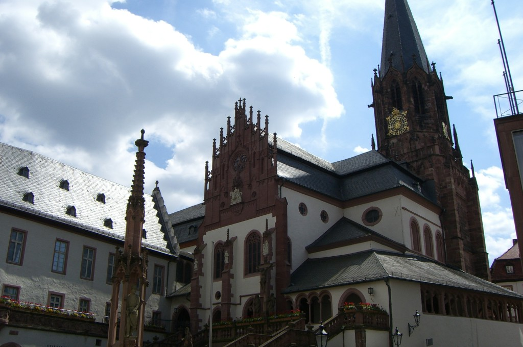 Aschaffenburg Dom Aussenansicht