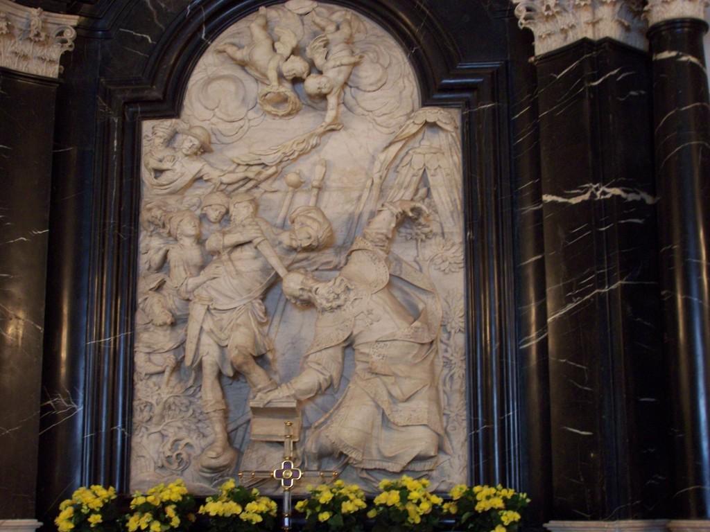 Grabmal oberhalb des Sargophaks Hl Bonifatius