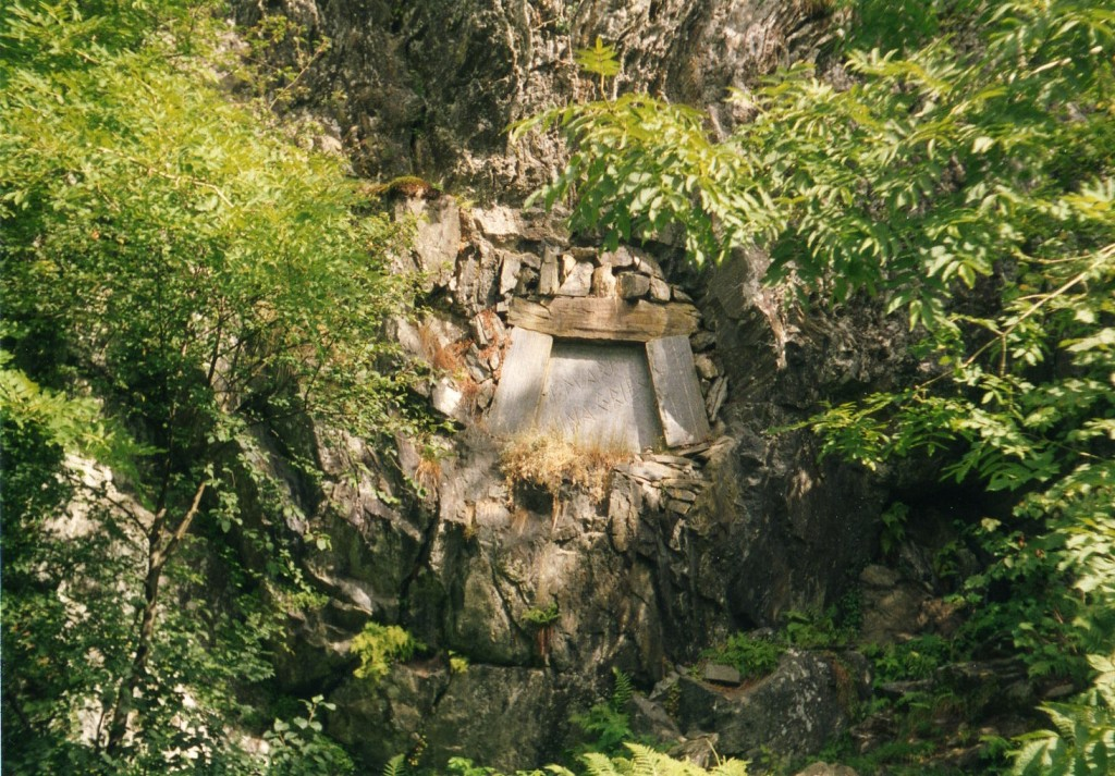 Trodelhagen Griegs Grabstätte im Garten