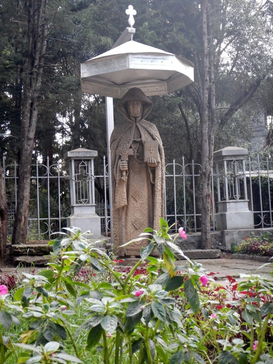 Visite de l'église Saint Georges d'Addis Abeba en Ethiopie.