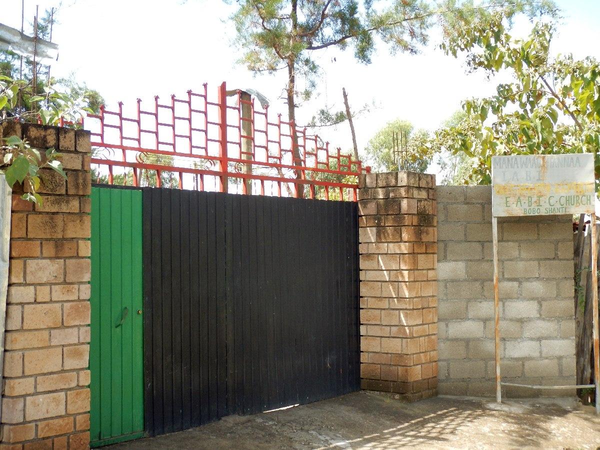 L'entrée de la communauté Bobo Shanti