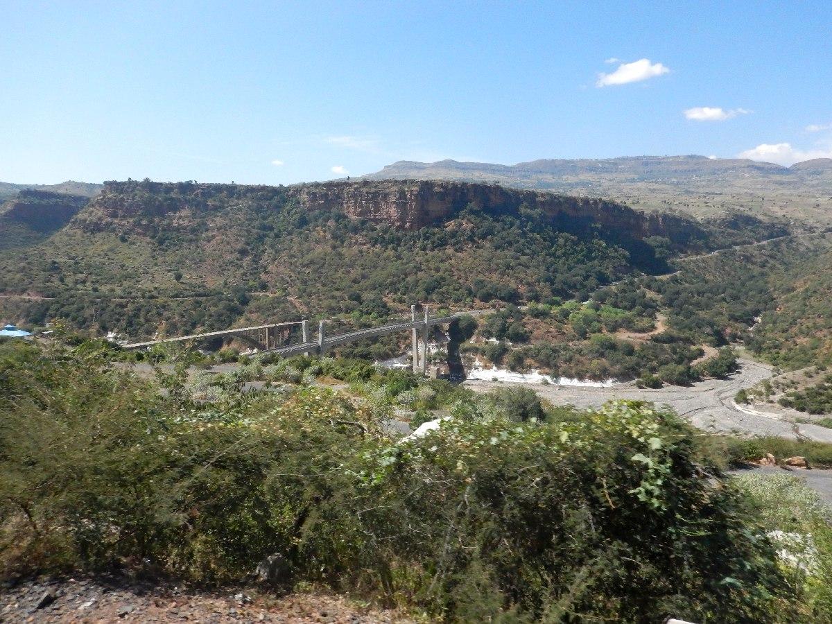 Les deux ponts traversant le Nil. Voyage Séjour Road Trip Trek Trekking Randonnée en Ethiopie. Trip Road de Bahir Dar (Bardhar) à Addis Abeba