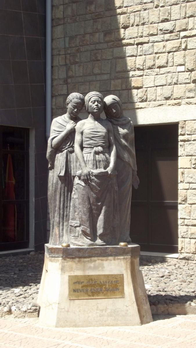 Never Never Again. Voyage Séjour Trekking et randonnée, Road trip en Ethiopie.  Région Amhara.Visite du Red Terror Muséum d'Addis Abeba en Ethiopie.