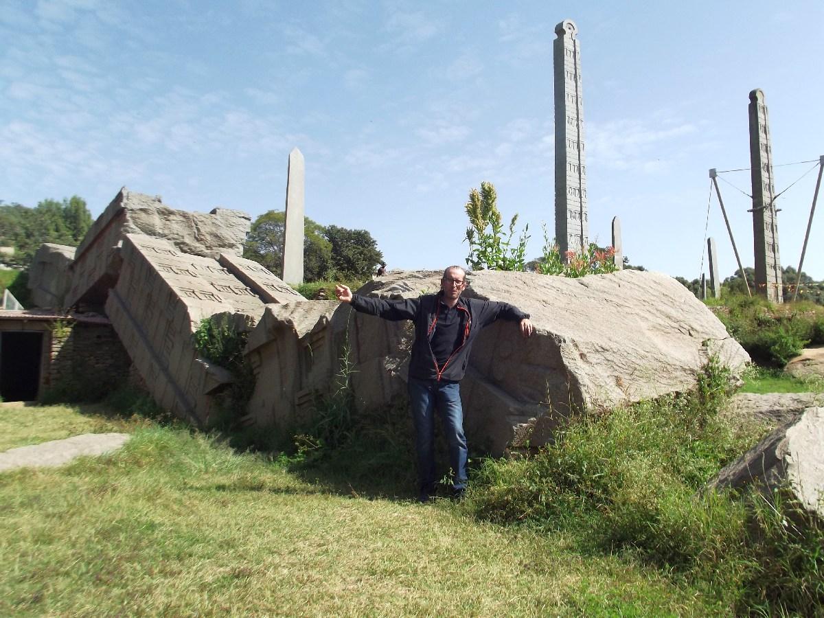 Les Stèles d'Axum en Ethiopie. Sculpteurs éthiopiens.