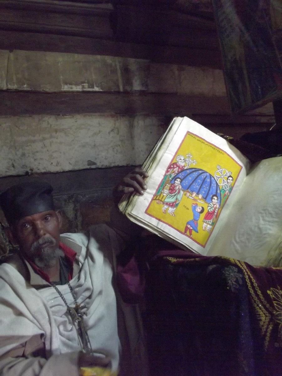 Ce Dawit est la fierté de L'église Abba Aregawi. Voyage Séjour Road Trip Visite trekking et randonnée. Le monastère de Debre Damo en Ethiopie.  L'Eglise Abba Aregawi.