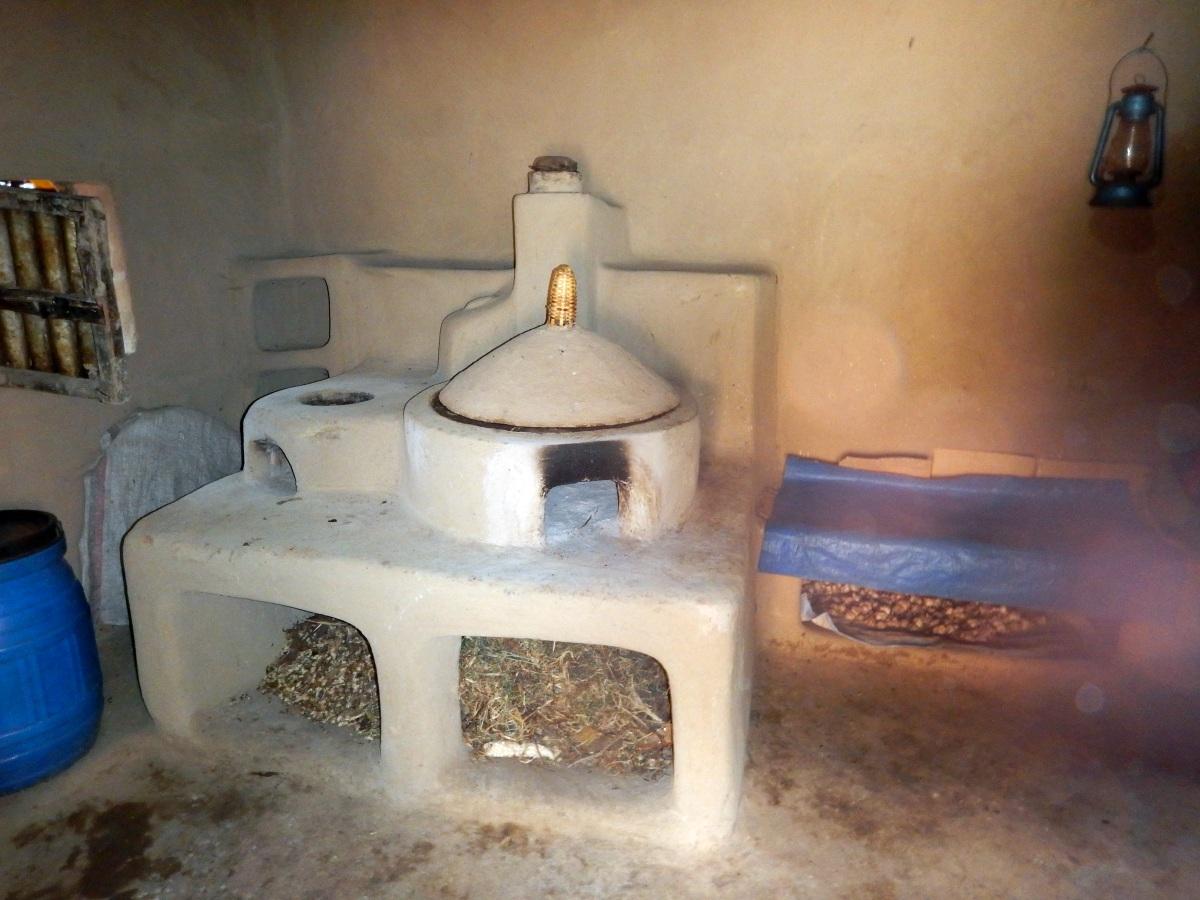 Le four à bois. Trek, randonnée et visite de la communauté Awra Amba en Ethiopie.